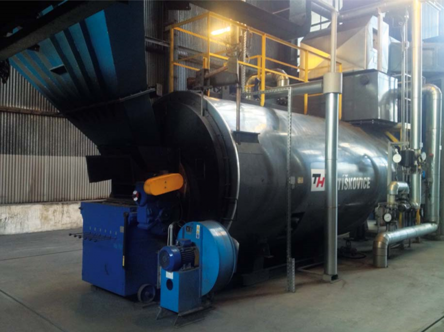 Automatic fire-tube cylindrical boilers for solid fuel combustion